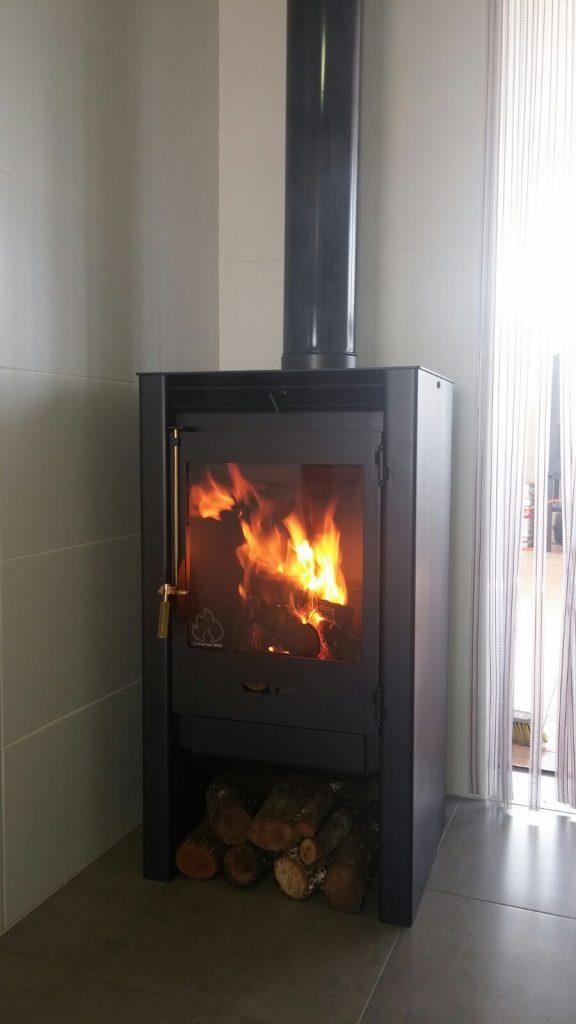Estufa de le a en murcia hornos met licos chimeneas for Fabricantes de estufas de pellets